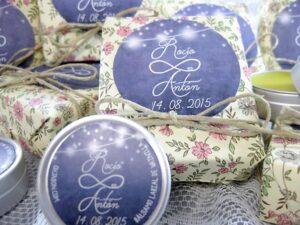Jabón artesanal y bálsamo labial detalle de boda