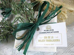 Jabones artesanales de romero detalle de empresa Publicis