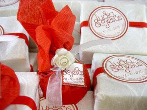 Jabón y bálsamo labial detalles de boda Olivia y Mario