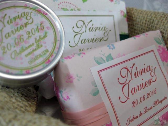 Jabón artesanal y bálsamo labial detalle de boda de Nuria