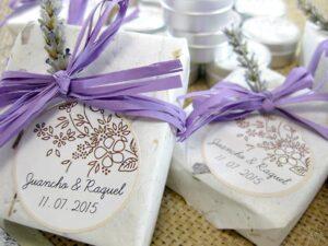 Jabón y bálsamo labial detalle de boda de Juancho y Raquel
